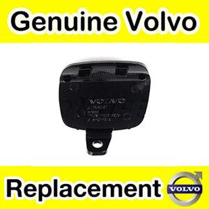 Genuine-Volvo-S40-08-12-Parachoques-Trasero-Remolque-Cubierta-Del-Ojo-sin-revestir