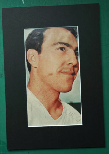 1966 JIMMY GREAVES ENGLAND WORLD CUP LEGEND ORIGINAL SIGNED MOUNTED PICTURE