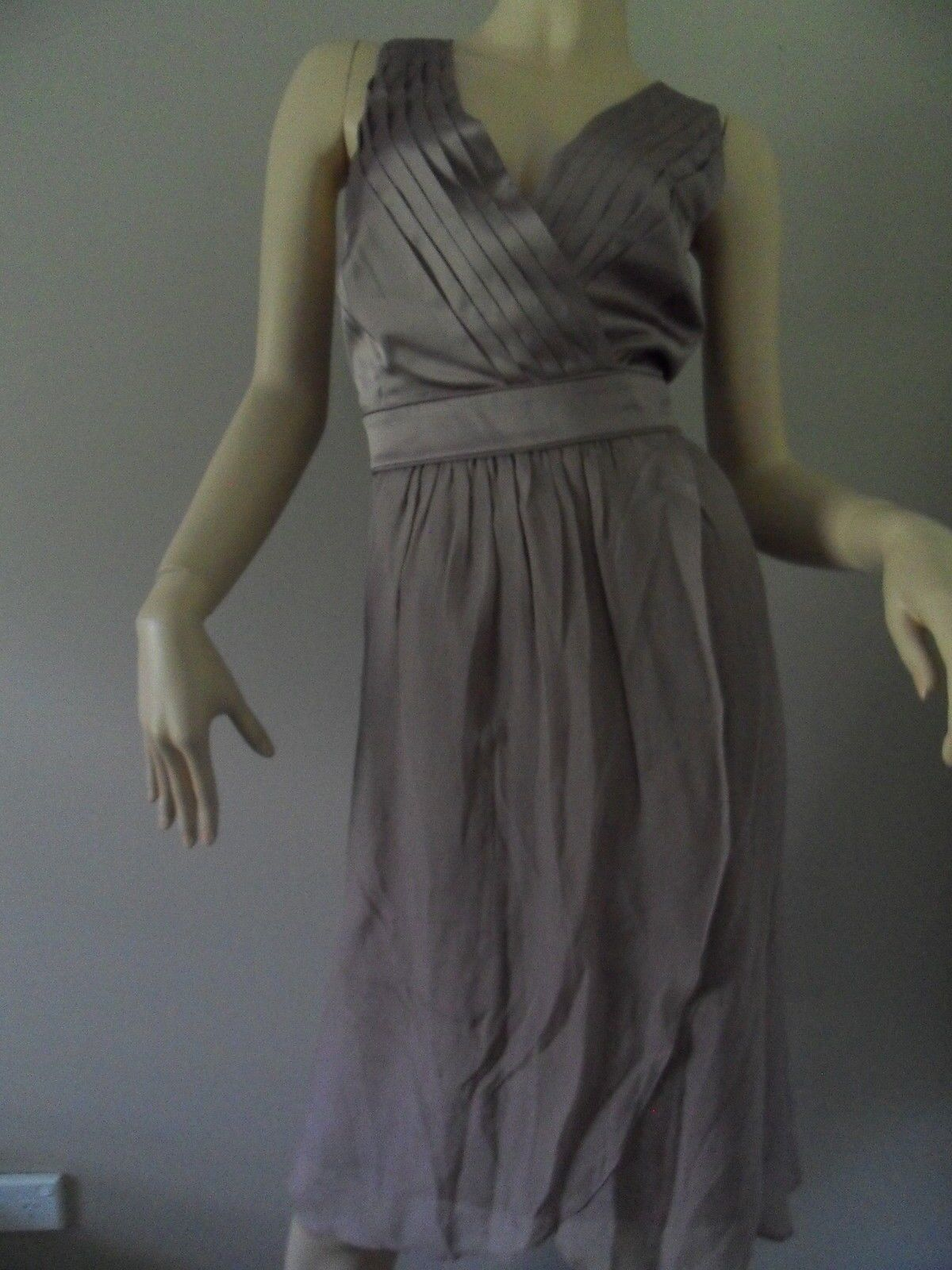 JACQUI E taupe silk formal dress Größe 18 BNWT