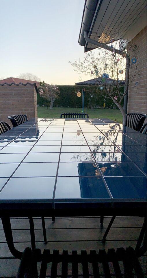 Spisebord, Flise/keramik