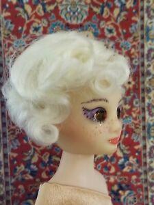 Monique Doll Wig size 5//6 New in Box ~ Annie ~ Light Auburn ~ Darling!