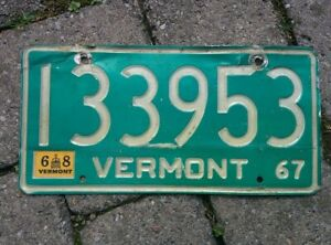 Authentic Vintage 1967 1968 VT Vermont Vehicle License Plate Green White ~ POOR