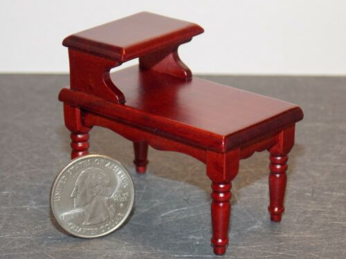 Dollhouse Miniature End Table Mahogany 1:12 one inch scale F27 Dollys Gallery