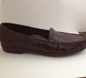 SAS-Shoes-Womens-Size-8-N-Brown-Loafers-Patent-Leather-8N-Narrow-Made-in-USA