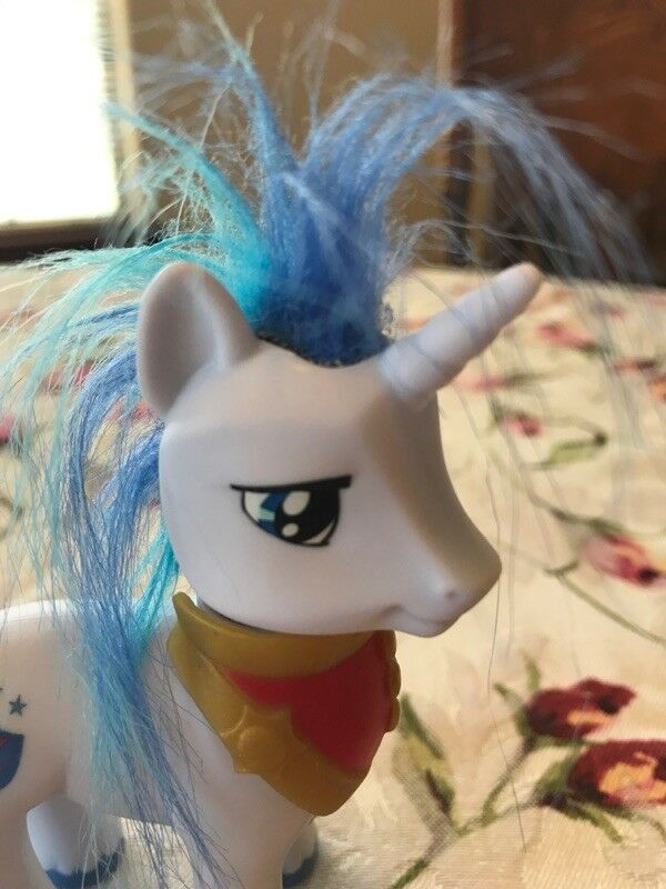 My Little Pony SHINING ARMOR Toys R Us TRU Favorites - Rare/VHTF, Hasbro G4