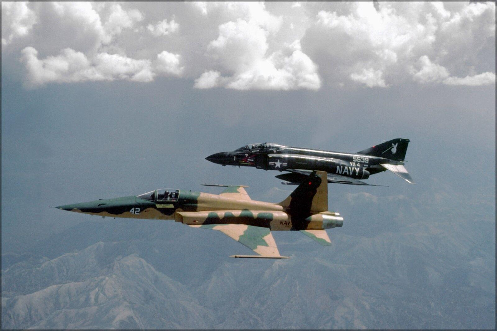 Poster, Molte Molte Molte Misure; F-5e Tiger II F-5 Top Gun F-4S Phantom F-4 Vx-4 Evaluator e27188