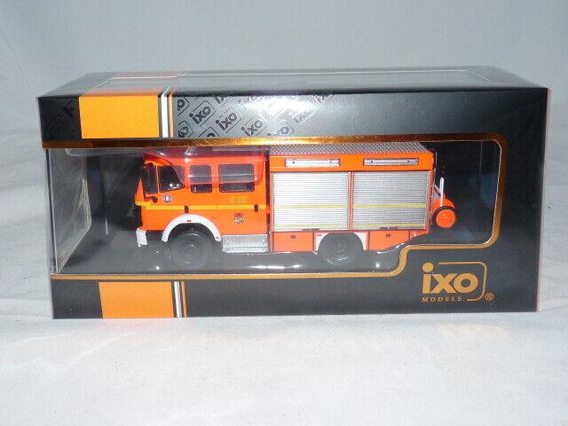 IXO TRF015S Mercedes-Benz LF 16/12 Feuerwehr Hamburg - FF Hohendeich 1995 1:4...
