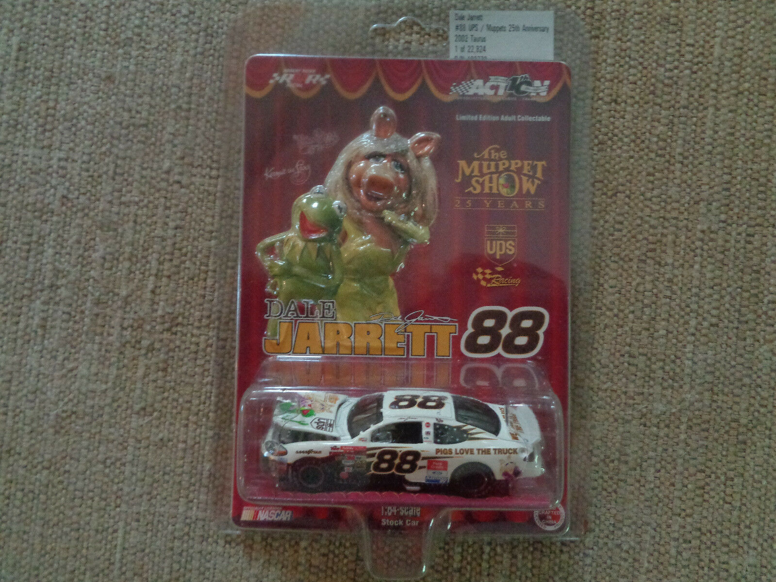 Nascar ACTION Dale Jarrett The Muppet Show 25 Years Limited Edition  1 64