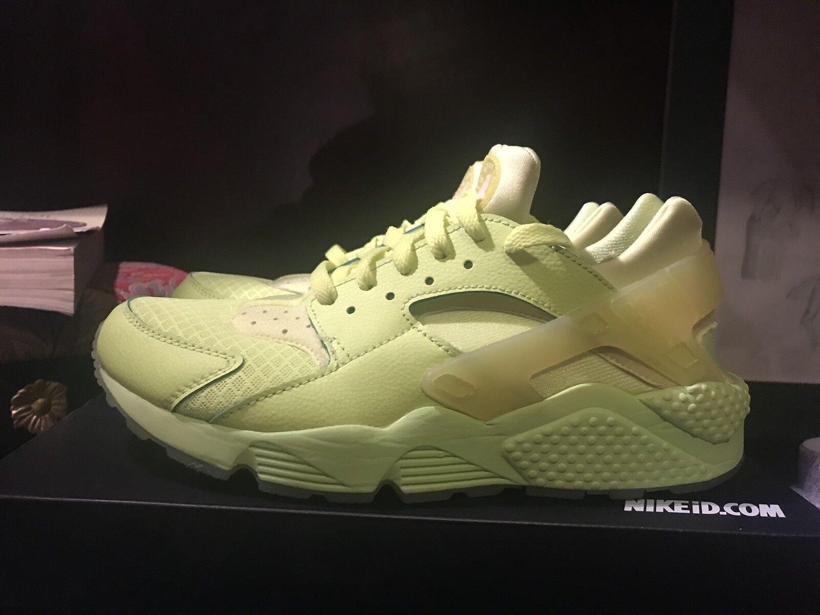 big sale db010 5555f Nike Nike Nike Huarache Trainer ID volt Monochrome Worn Once Size 9.5 VNDS  Free Plus Run