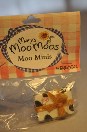 Mary/'s Moo Moos Mini/'s 143073 Accessories Cow Paper Wrapped Present