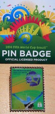 Pin + Plakat Motiv 12 + 2014 FIFA World Cup Brazil + 3,0x2,5 cm + OVP Lizenz #24