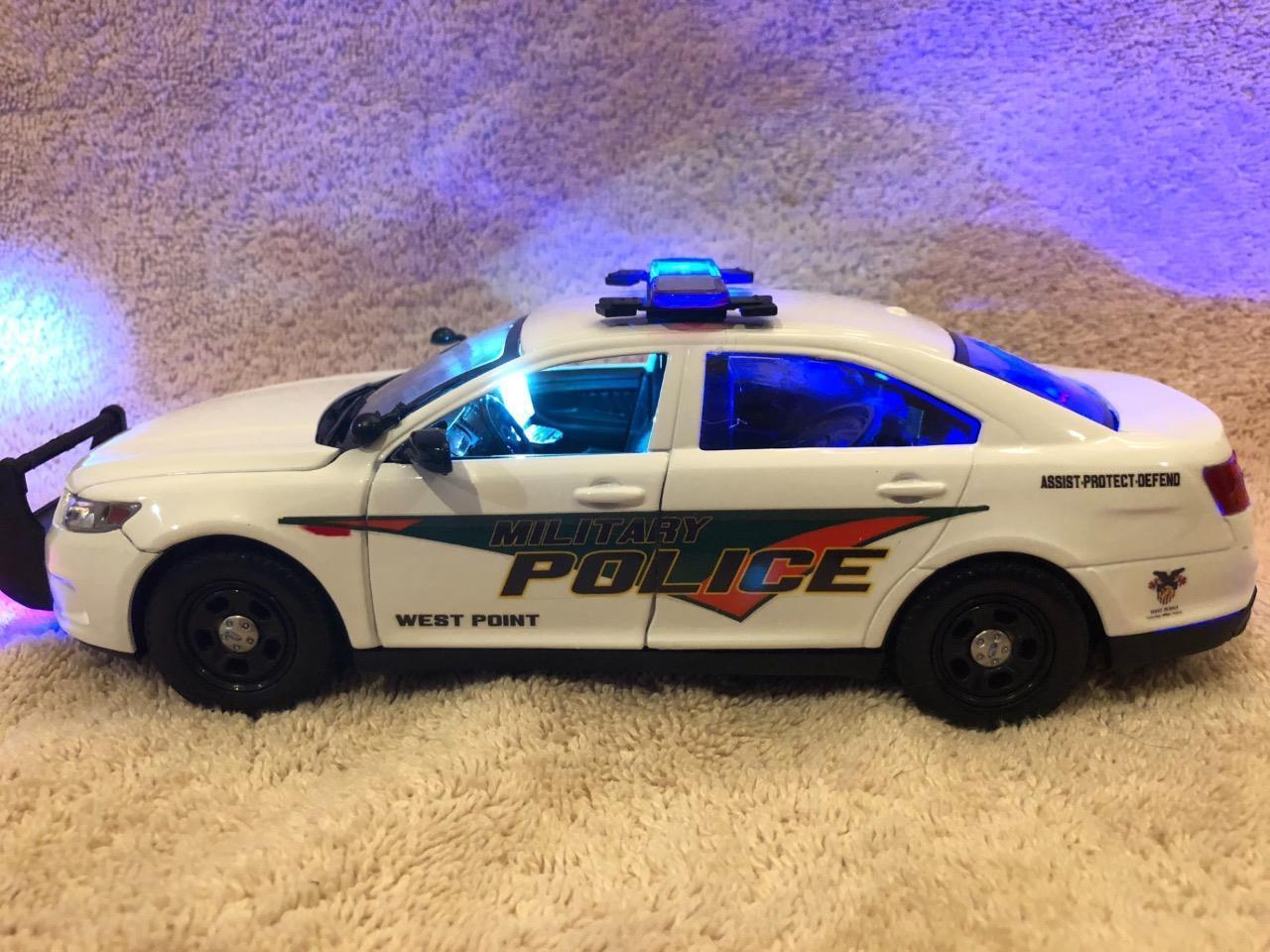 Escala 1 24 de policía militar de West Point Interceptor con luces y sirena de trabajo