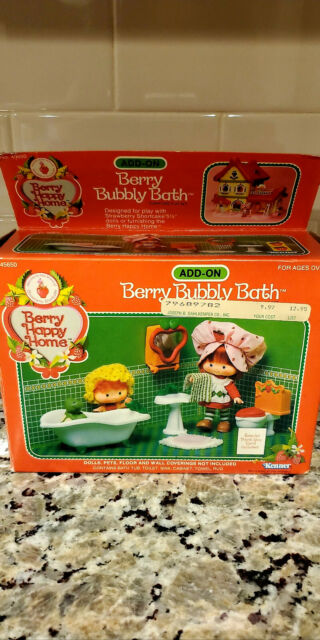 Kenner Strawberry Shortcake Berry Bubbly Bath Furniture MIB