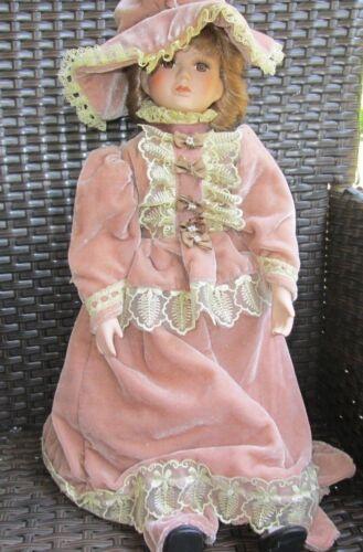 2 ältere Puppen Porzellan oder Keramik Puppen