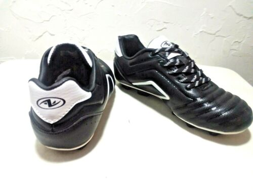 "YOUTH BOY/'S 12,1,2,3,4,5/"" PREMIUM /""SOCCER CLEATS/""  /""BLACK//WHITE/"" ATHLETIC WORKS"
