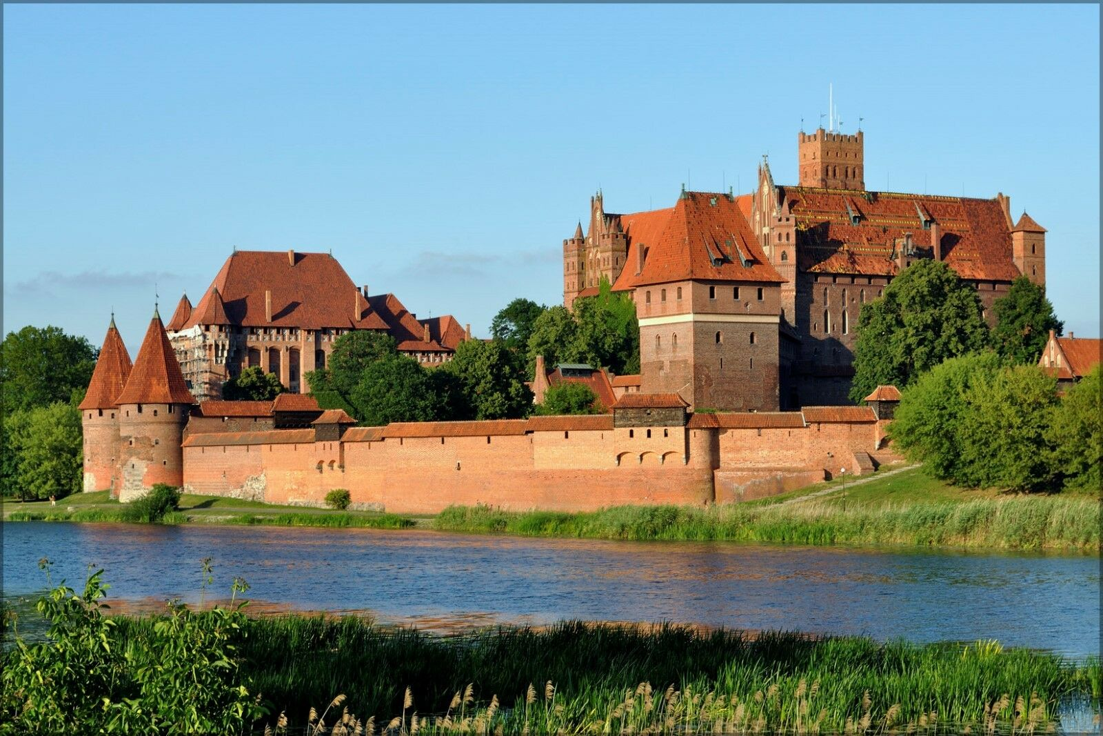 Poster, Many Größes; Castle Of The Teutonic Order Of Knights In Malbork Poland
