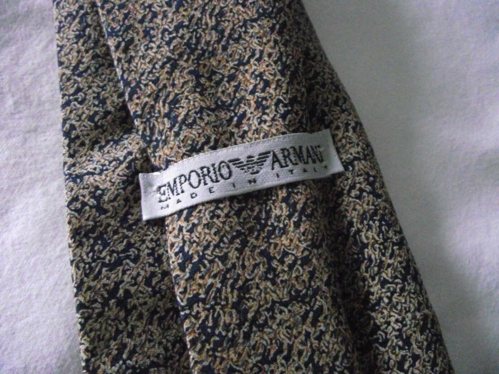 Emporio Armani 100% Seda Tie-azul con dibujos