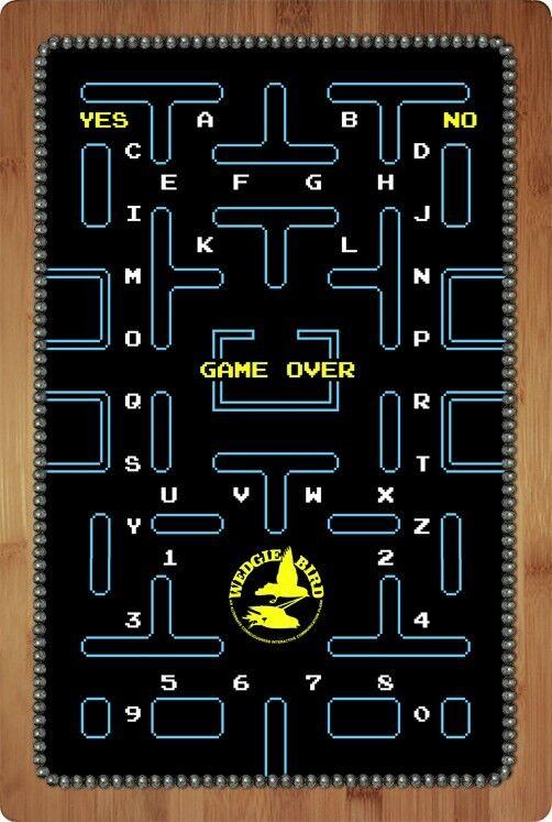 Pac - man - thema ouija - brett durch geist, ja die unterhose hoch.