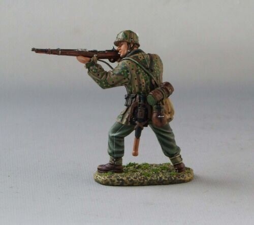 60mm toy soldier Thomas Gunn WW2 German SS071 SS soldier stand firing with 98K