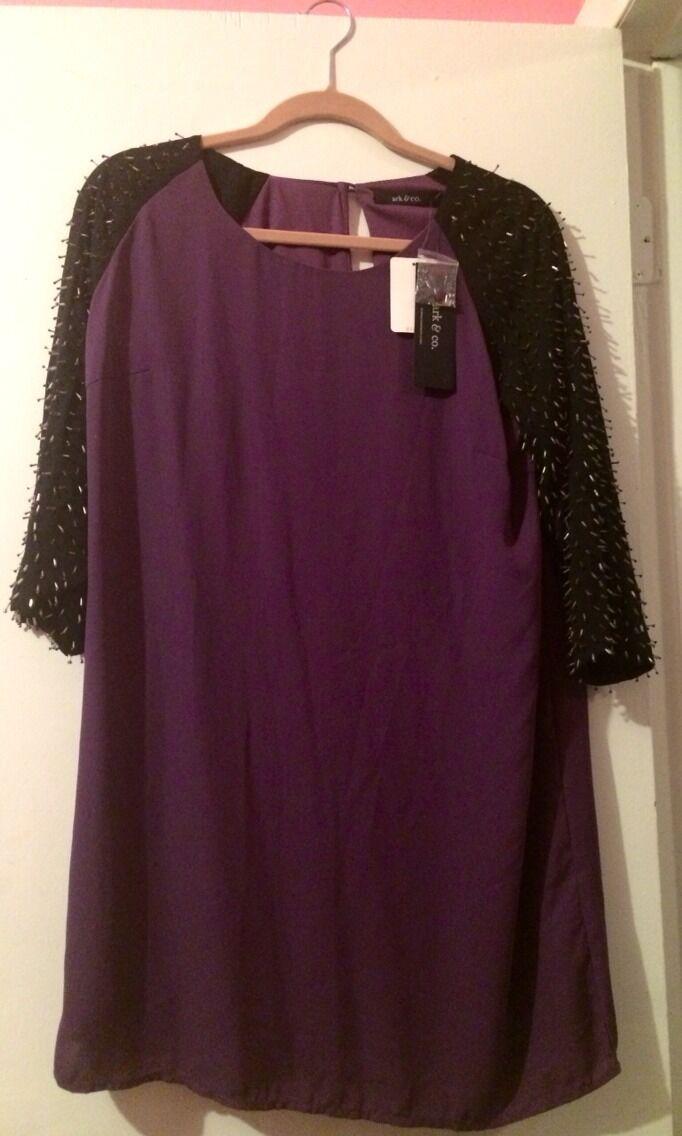 Purple Dress With Embellishment Embellishment Embellishment On Sleeves 34d3bc