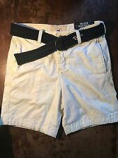 Hollister Prep Fit Shorts, White . Size: 28