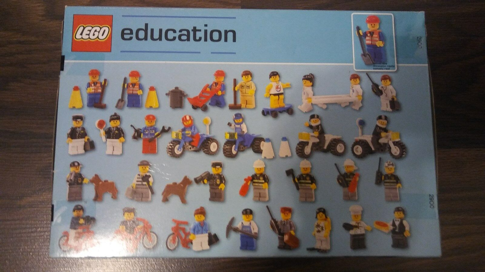BRAND NEW  SEALED  LEGO EDUCATION EDUCATION EDUCATION  235 PIECES  30 PEOPLE & ACCESSORIES e25e49