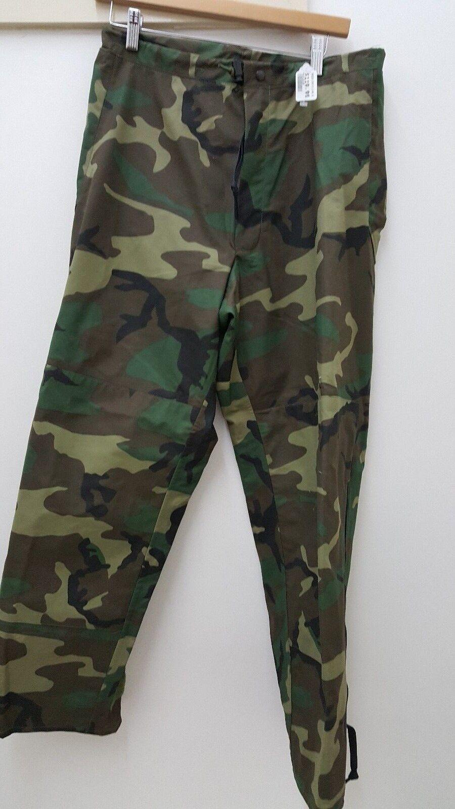 Military Issued Gortex Woodland Pants (Small, Regular)