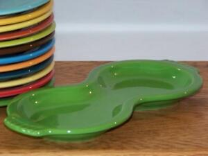 Fiesta-SHAMROCK-Multi-Use-Figure-8-Tray-amp-or-Spoon-Rest