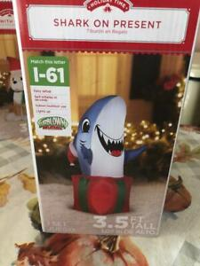 Airblown-Inflatable-3-5-Ft-Shark-On-Present-Gift-Christmas-Gemmy-INDOOR-OUTDOOR