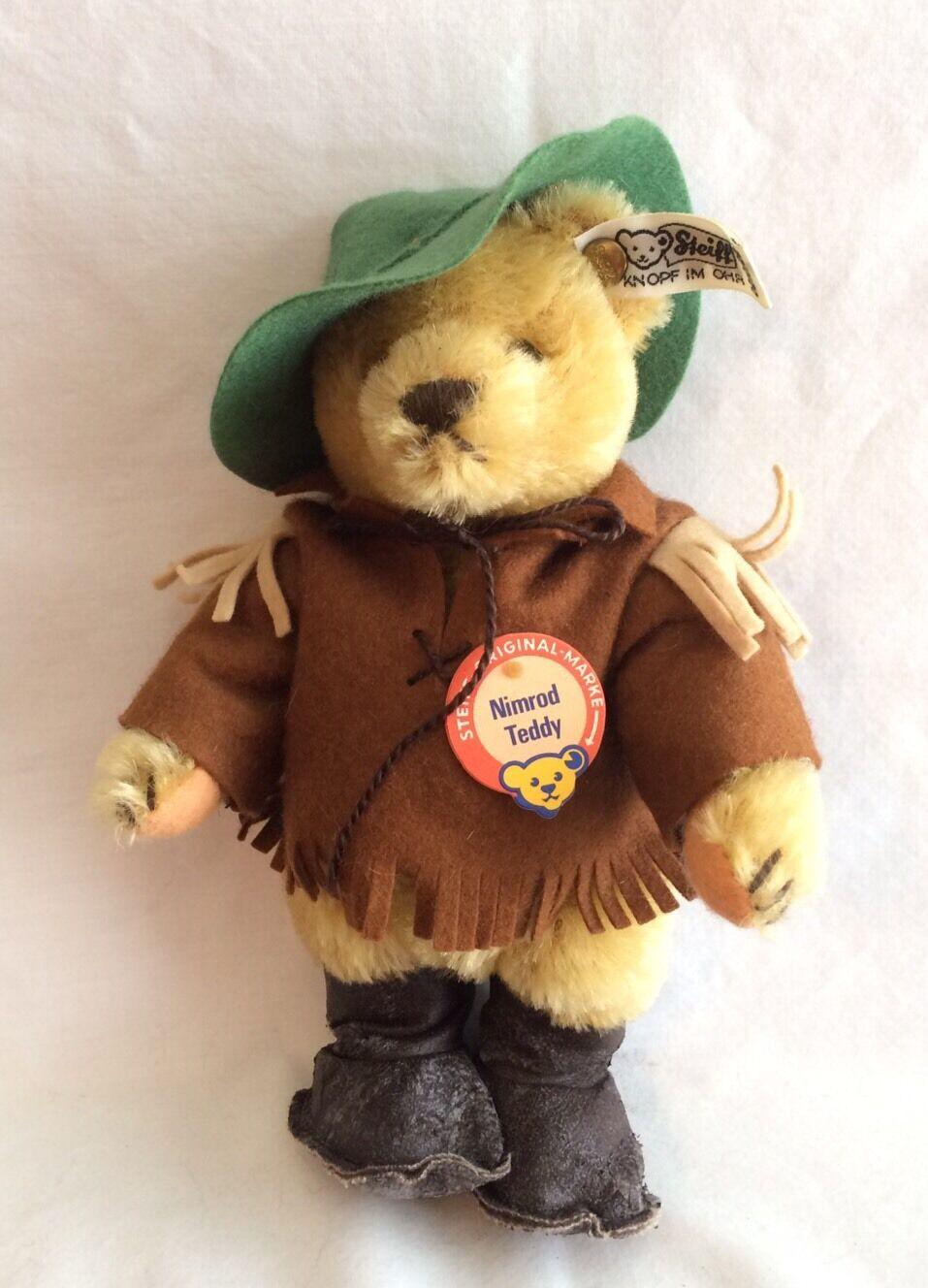 Steiff - Campfire Nimrod Teddy - Dressed - EAN   0210 22