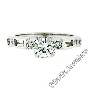 Vintage-18k-or-Blanc-1-27ct-Rond-amp-Diamants-Baguette-Bague-Solitaire-Fiancailles