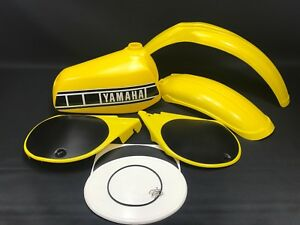Yamaha-YZ-250-400-D-E-Plastic-Set-Guards-Tank-amp-Number-Plate-Kit-NEW-YELLOW