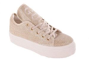 6cfbbfc3a1448c Das Bild wird geladen Guess-Damen-Sneaker-Schnuerschuhe-Plateau-Gold-701