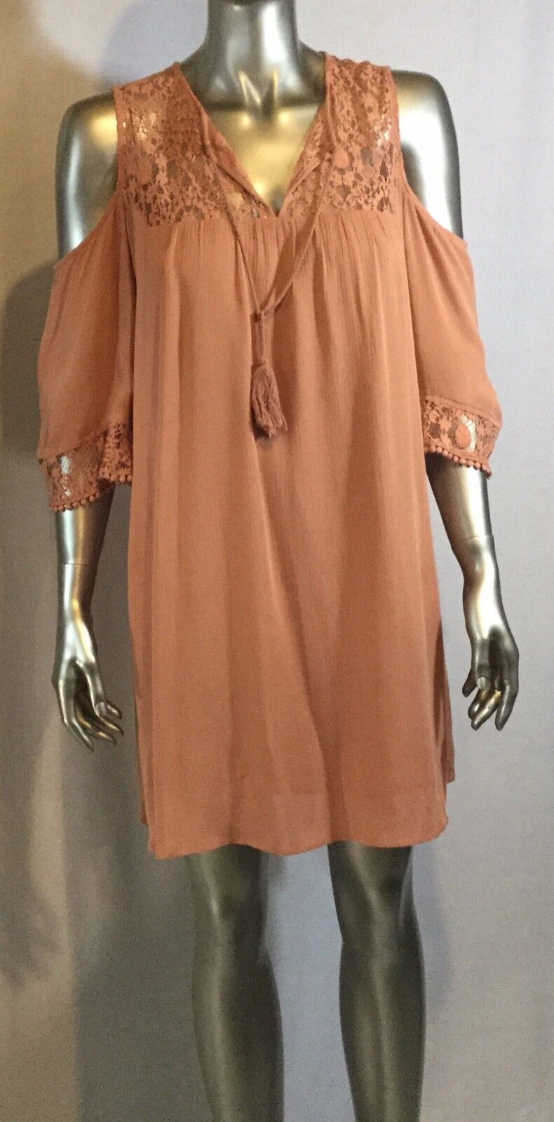 NWT HEARTLOOM Top, Anthropologie Brand, Size Small, Col Peach, Size Small