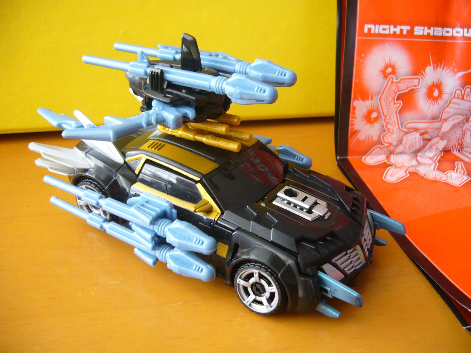 TRANSFORMERS PRIME BEAST HUNTERS NIGHT SHADOW BUMBLEBEE   top Zustand mit BA