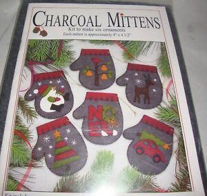 Charcoal-Mittens-Woolfelt-Christmas-Ornaments-Kit-Rachel-039-s-of-Greenfield-NEW