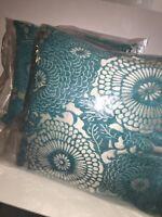 Kohls Set Of 2 Chrysanthemum Pillows Blue/ivory 20x20 Square Tags Decor