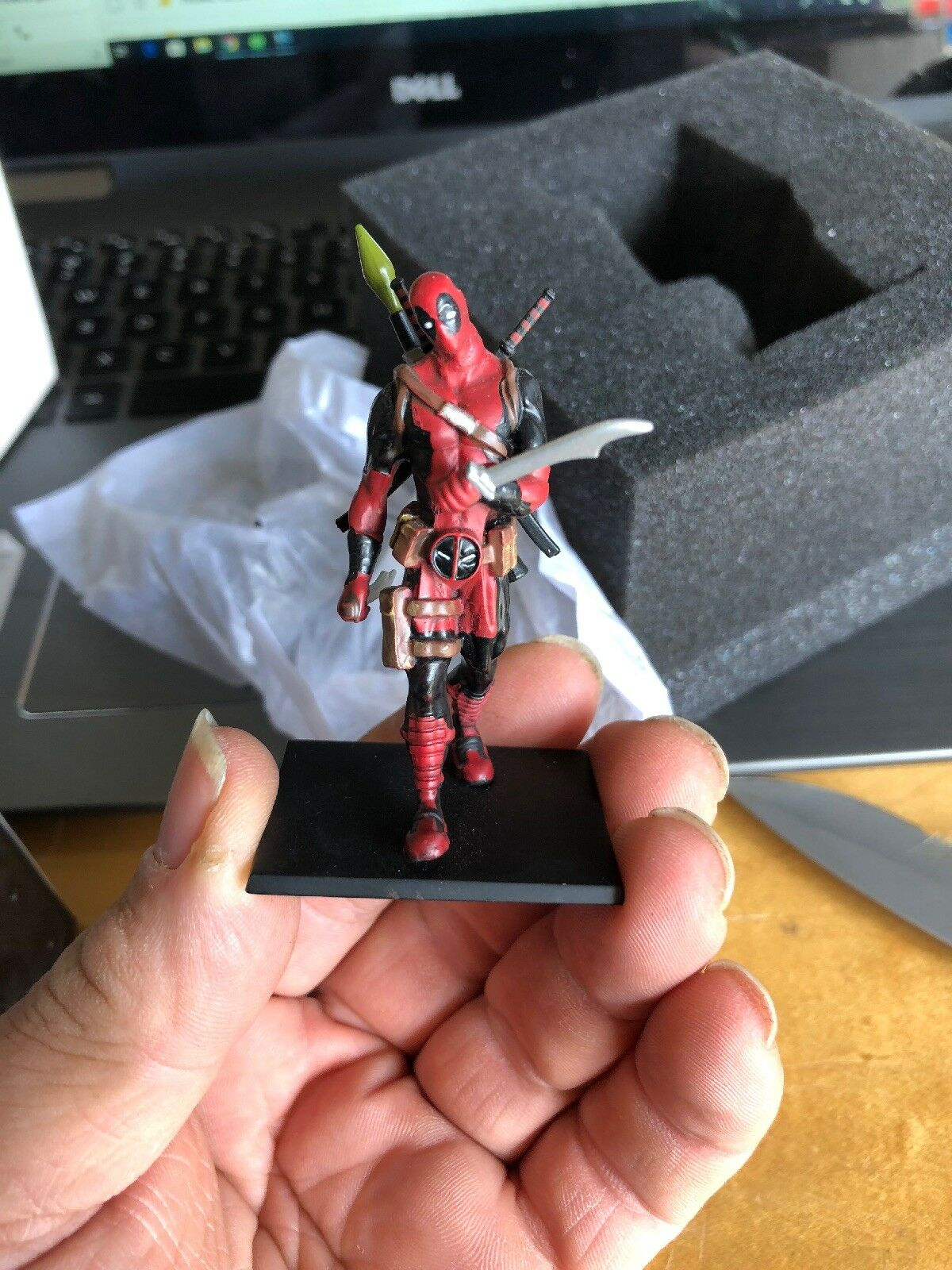 Deadpool - Metal Miniature 1 1 1 32 (Deadpool) - Factory Entertainment Free Shipping 680a39
