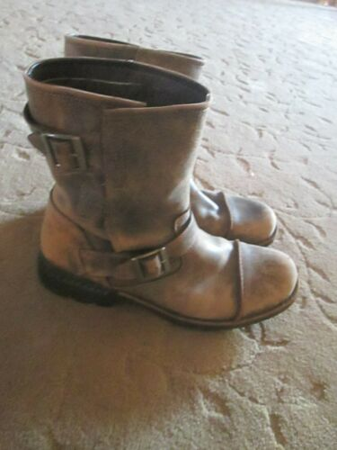 FANTASTIC MENS UGG AUSTRALIA DISTRESSED LEATHER MO