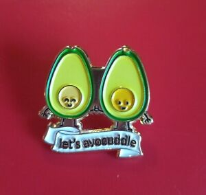 Avocado-Pin-Lets-Avocuddle-Pin-Enamel-Retro-Metal-Brooch-Badge-Cute-Pins