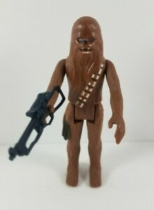 Chewbacca-with-Blaster-1977-Vintage-Kenner-A-New-Hope-Star-Wars-Action-Figure