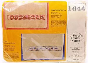 Counted-Cross-Stitch-Kit-2-Teddy-Bear-Hearts-Cotton-Towels-1644-New-Vintage