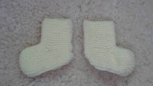 Cute-Hand-Knitted-Little-One-039-s-Pastel-Yellow-Bootees-Size-0000-000-Newborn