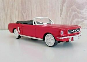 FORD-MUSTANG-1964-1-43-SOLIDO-Ref-4540