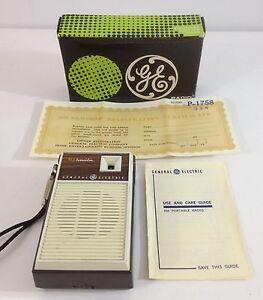 Vintage-General-Electric-P1758-Transistor-Radio