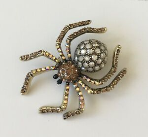 Unique-Crystal-spider-brooch-pin