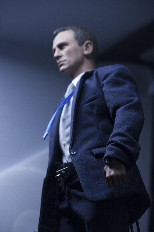 1/6 scale James Bond w/ original Hot Toys parts Daniel Craig 007 Spectre Skyfall