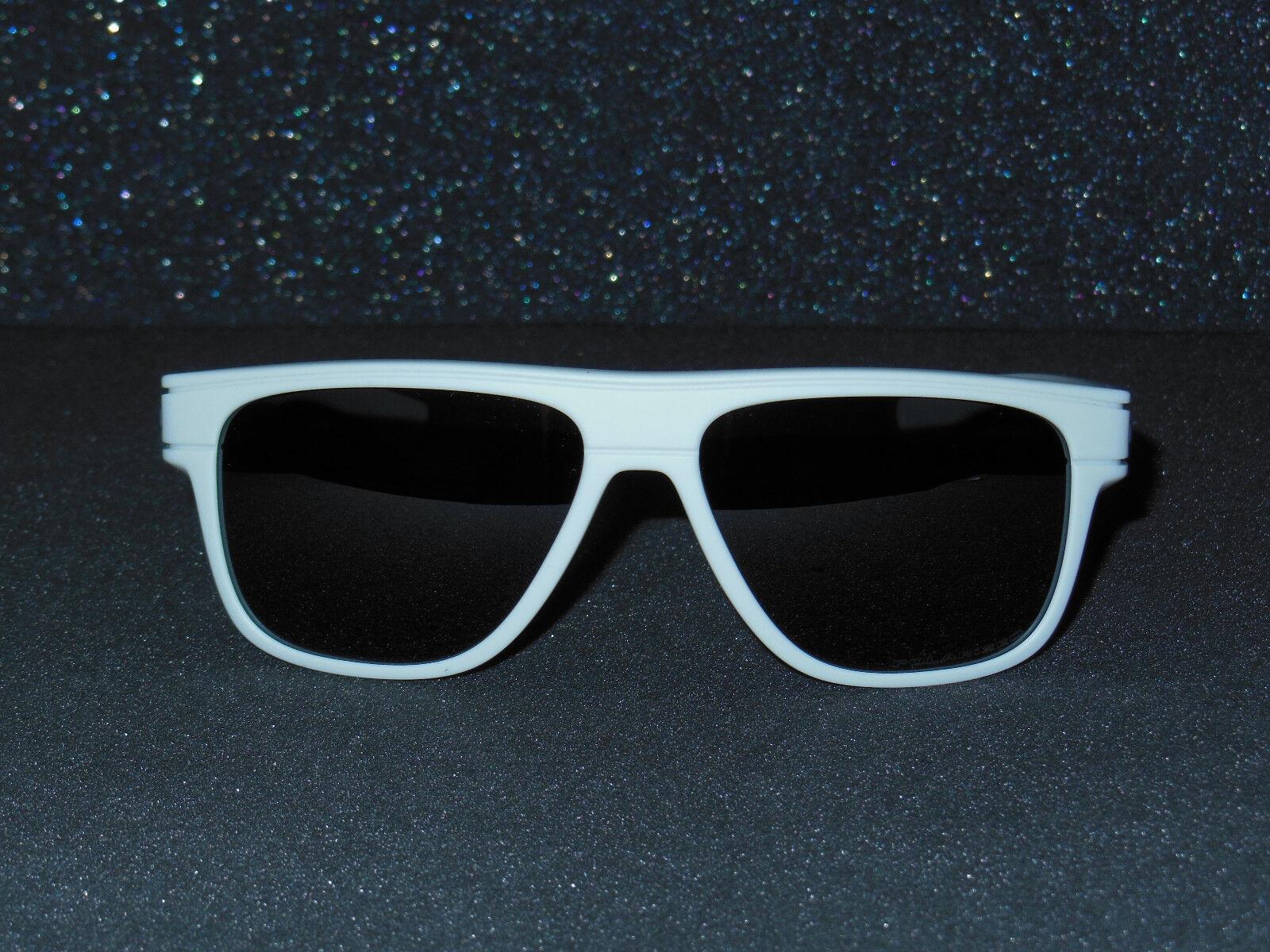 5654fb3694 Oakley Breadbox Black Iridium Polarized Men s Sunglasses Oak Item No. Oo9199  919927 56 for sale online