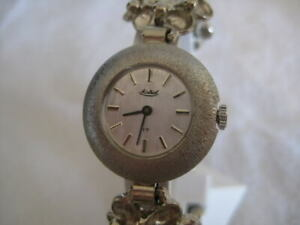 NOS-NEW-VINTAGE-MECHANICAL-HAND-WINDING-SHOCK-RESIST-MONTREAL-WOMEN-039-S-WATCH-60-039