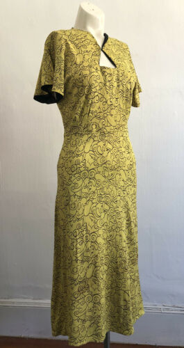 Vintage 1930s 40s Lemon Yellow Rayon Jersey Day Dr